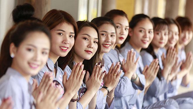 Người đẹp Kinh Bắc2019 tham gia khóa tu, học cách 'chơi' quan họ