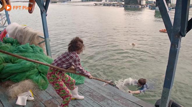 Xem'Mối tình đầu của tôi': Nam Phong và An Chi phải 'bán thân' trả nợ