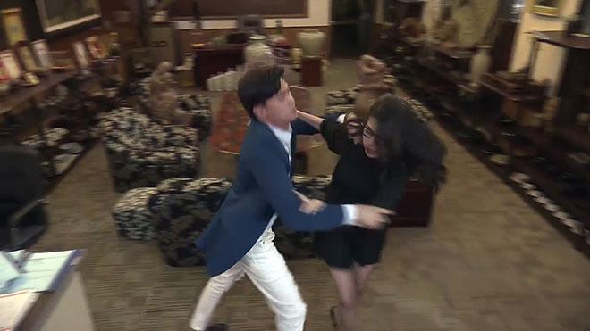 'Về nhà đi con' tập 11: Vũ bị 'đánh hội đồng' vì 'dắt gái' đến làm loạn công ty của bố