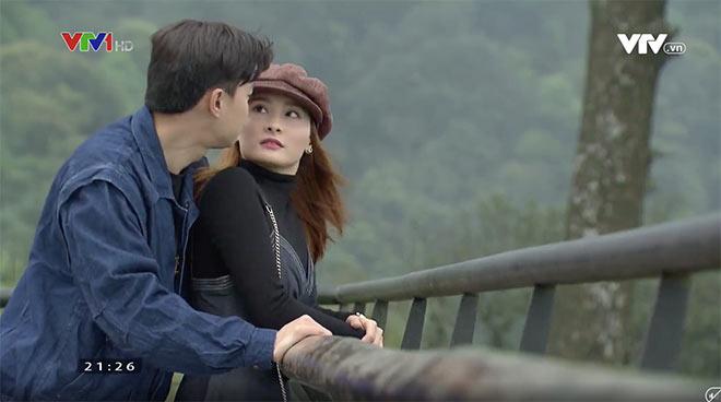 'Về nhà đi con' tập 13: Huệ bối rối gặp người yêu cũ, Vũ và Thư vướng 'trò chơi tình ái'
