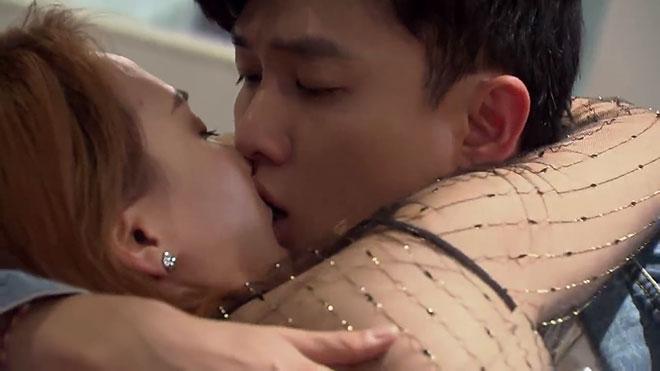 VIDEO 'Cảnh nóng' khiến Bảo Thanh 'sợ', Quốc Trường 'ớn' trong phim 'Về nhà đi con'
