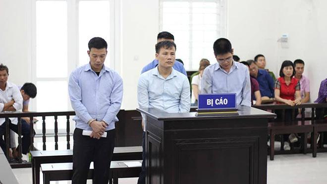 27 năm tù cho nhóm dùng bình xịt hơi cay cướp xe taxi