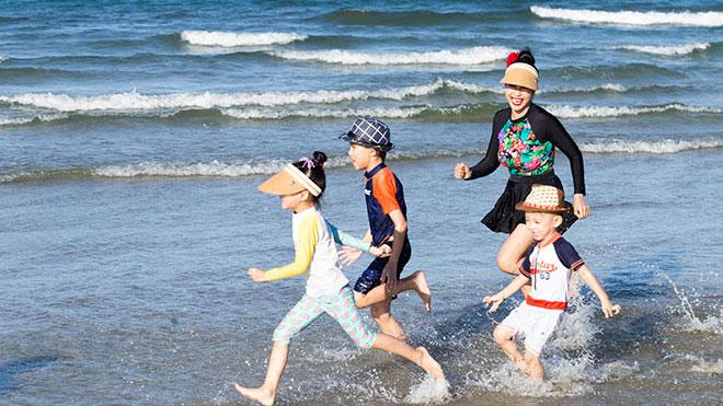 Mùa hè 'cực chill' của gia đình Ốc Thanh Vân tại Đà Nẵng