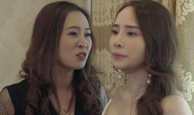 'Về nhà đi con' tập 68: Khán giả hả hê xem cảnh Nhã bị Linh đánh ghen, dọa 'chặt cụt đuôi cáo'