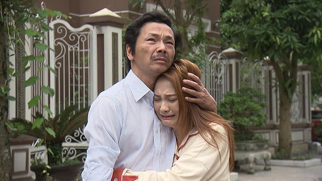 'Cả đoàn phim bận khóc' khi quay cảnh bố Sơn đón Thư về trong tập 70 'Về nhà đi con'