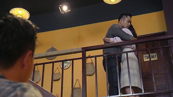 'Về nhà đi con' tập 73: Vũ ghen khi Thư thân mật với Dũng, Quốc giận khi nhìn Huệ ôm Khải