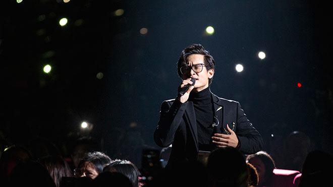Hà Anh Tuấn nghẹn ngào hát 'Nước ngoài', Hà Trần là khách mời đặc biệt trong 'Truyện ngắn'