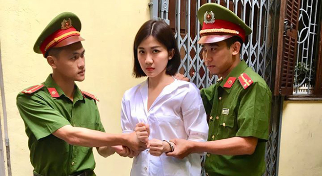 Hoa hồng trên ngực trái: Lương Thanh đăng ảnh hé lộ Trà 'tiểu tam' phải trả giá đắt
