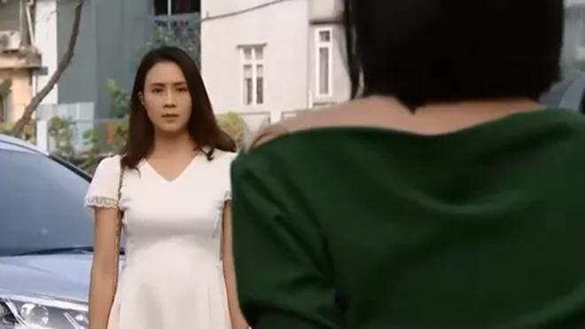 Hoa hồng trên ngực trái: Khuê không đáp lại tình yêu của Bảo, từ chối hàn gắn với Thái