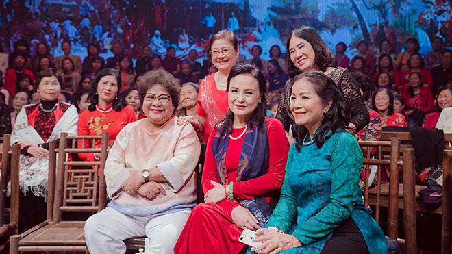 Xông đất 'Quán thanh xuân': Nghệ sĩ Việt nhớ cồn cào những cái Tết năm xưa