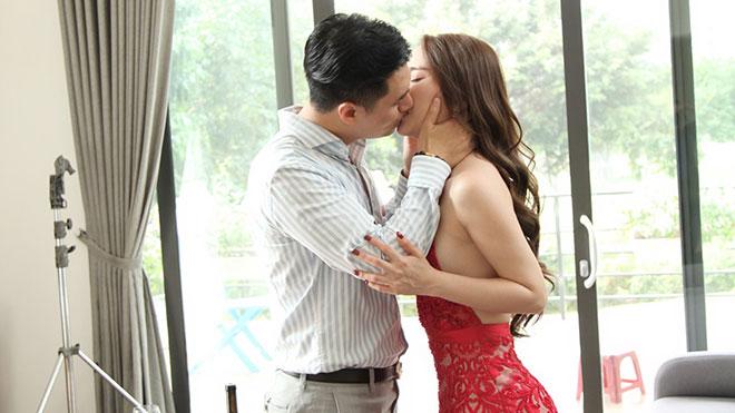 Việt Anh - Quỳnh Nga căng thẳng khi đóng cảnh hôn cuồng nhiệt trong phim 'Sinh tử'