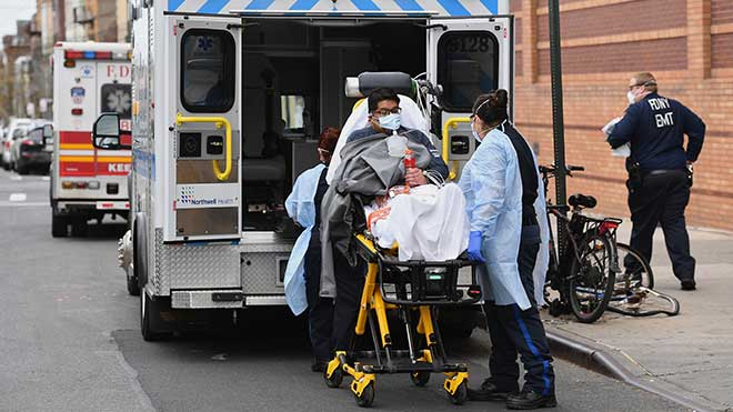 Vượt Italy, Mỹ dẫn đầu thế giới về cả số ca mắc bệnh và tử vong vì COVID-19