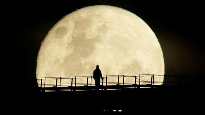 Siêu trăng, Xem Siêu trăng, siêu trăng, Ngắm siêu trăng, sieu trang, Siêu Trăng, siêu trăng hoa, ngắm siêu trăng tại Việt Nam, siêu trăng là gì, flowers moon, rằm tháng 4