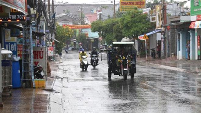 Đêm 1/6, các khu vực trên cả nước có mưa dông, đề phòng thời tiết nguy hiểm