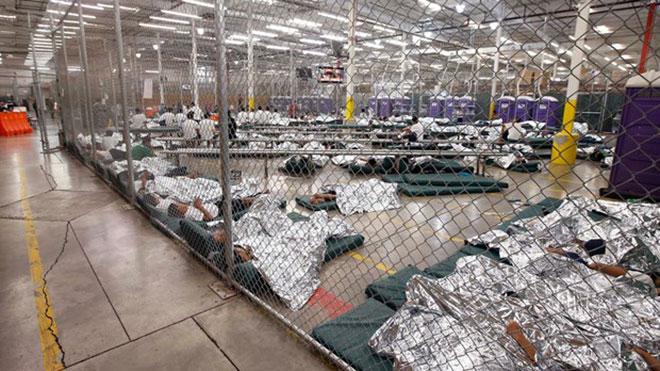 Tòa án Mỹ ra phán quyết trả tự do cho hơn 100 trẻ em nhập cư đang bị giam giữ