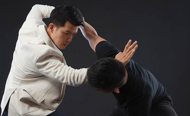 Đỉnh Mù Sương, phim Đỉnh Mù Sương, Lịch chiếu Đỉnh Mù Sương, Peter Phạm, Simon Kook, ngôi sao võ thuật, ngôi sao võ thuật châu Á