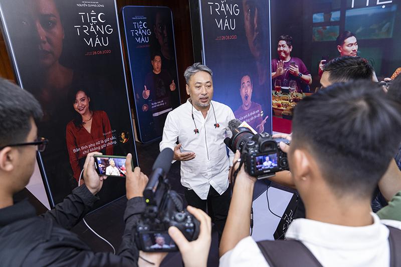Tiệc trăng máu, Xem phim Tiệc trăng máu, Phan Gia Nhật Linh, Nguyễn Quang Dũng, lịch chiếu phim Tiệc trăng máu, tiec trang mau, phim mới, phim rạp, phim hot