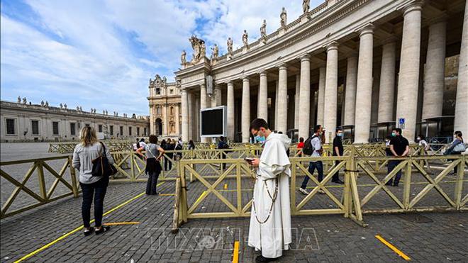 Một số thành viên Đội Cận vệ của Tòa thánh Vatican mắc COVID-19