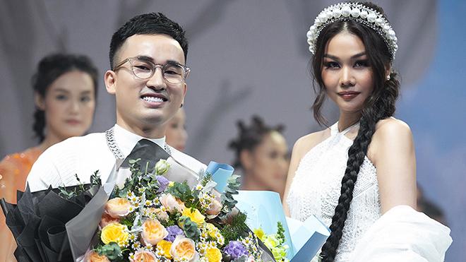 Siêu mẫu Thanh Hằng, Hà Phương hoá 'thiên thần' trên sàn diễn của NTK Hà Duy