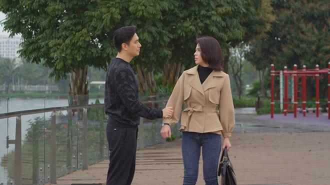 'Hướng dương ngược nắng': Hoàng phủ nhận đã tán tỉnh Minh, Ngọc yêu Trí?