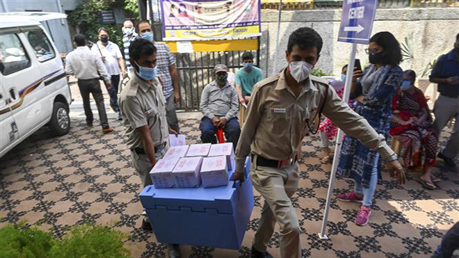 Dịch Covid-19 đến sáng 2/5: Ấn Độ có hơn 3500 ca tử vong mới trong vòng 24 giờ qua