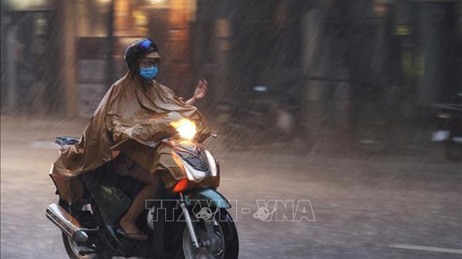 Thời tiết ngày 25/7: Trung Bộ mưa lớn do hoàn lưu áp thấp nhiệt đới