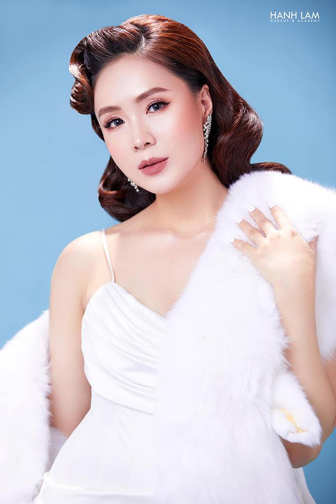 Hồng Diễm, Hồng Diễm Hướng dương ngược nắng, Hướng dương ngược nắng, diễn viên Hồng Diễm, VTV Awards 2021, Ấn tượng VTV 2021, Nữ diễn viên ấn tượng