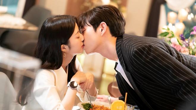 Penthouse phần 3 tập cuối: Seok Hoon tỏ tình với Ro Na, Yoon Hee thực sự đã chết?