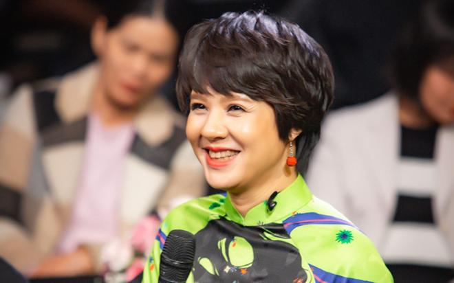 Diễm Quỳnh, nhà báo Diễm Quỳnh, nhà báo Diễm Quỳnh làm giám đốc VFC, giám đốc VFC, Trung tâm sản xuất phim truyền hình, VTV, VFC, Đặng Thị Diễm Quỳnh
