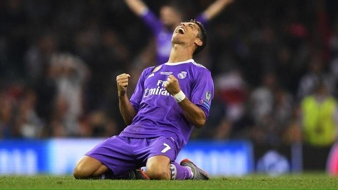CHÙM ẢNH: Ronaldo quỳ xuống khi vô địch Champions League. Cầu thủ Real rủ nhau... cắt lưới