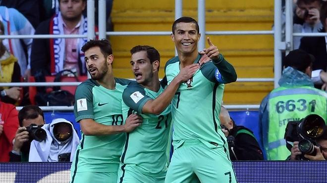 Không gì có thể kìm hãm Ronaldo ghi bàn!