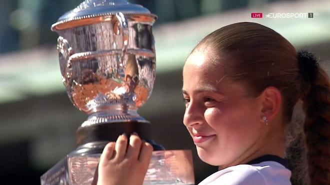 Đánh bại Halep, Ostapenko vô địch Roland Garros, viết nên cổ tích ở tuổi 20