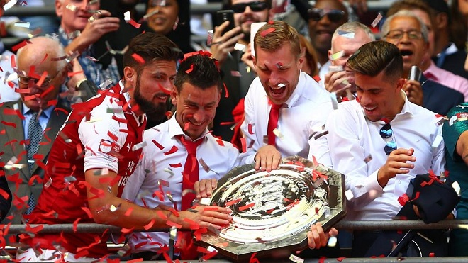 'Chúc mừng Arsenal, họ vừa giành cú ăn ba nhanh nhất trong lịch sử bóng đá'