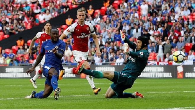 Arsenal 1-1 (4-1 penalty) Chelsea: Morata đá hỏng 11m. Arsenal thắng ở loạt sút luân lưu