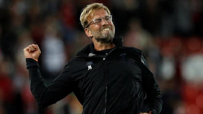 Klopp tâng học trò lên mây xanh khi Liverpool vào vòng bảng Champions League