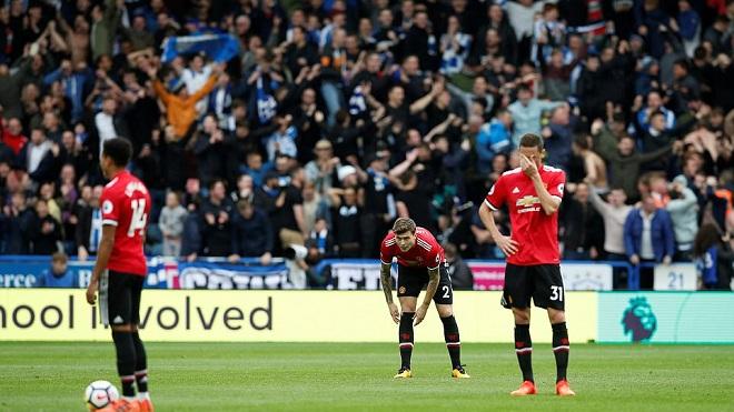 ĐIỂM NHẤN Huddersfield 2-1 M.U: Lindelof chưa đủ sức đá ở Premier League. M.U đang đi chệch hướng