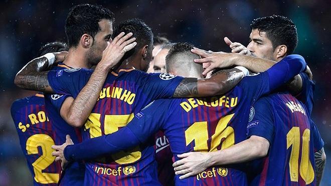 ĐIỂM NHẤN Barca 3-0 Olympiacos: Pique bị đuổi, vẫn vượt trội. Messi đi bộ, vẫn bùng nổ