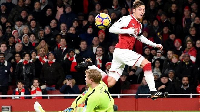 M.U coi chừng: Oezil thăng hoa dữ dội, hàng công GOAL của Arsenal đang rất mạnh