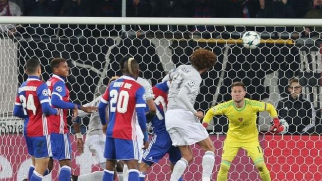 Roy Keane: M.U đủ sức vô địch Champions League dù thua Basel