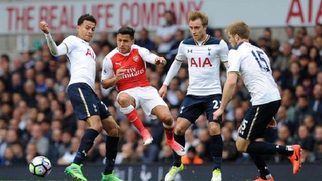 Khoảng cách giữa Tottenham và Arsenal ngày càng lớn