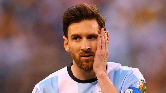 Messi thừa nhận XẤU HỔ khi quay trở lại đội tuyển Argentina