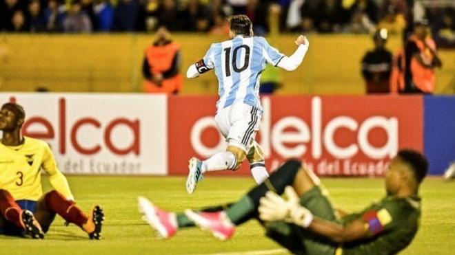 Messi được gọi là 'thánh sống', 'Chúa cứu thế' sau khi giúp Argentina giành vé tới World Cup