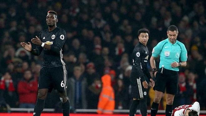 Pogba sẽ bị tăng án phạt vì vỗ tay khiêu khích trọng tài?