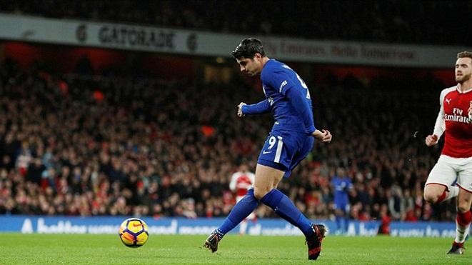 Morata đang dần trở thành... Lukaku, Diego Costa cười sung sướng