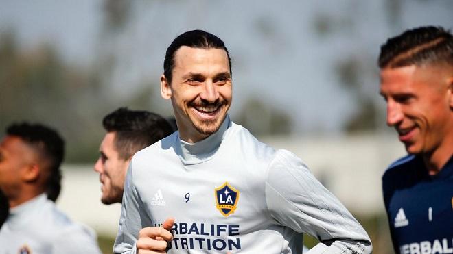 Ibrahimovic phát biểu cực ngầu sau khi đặt chân tới LA Galaxy
