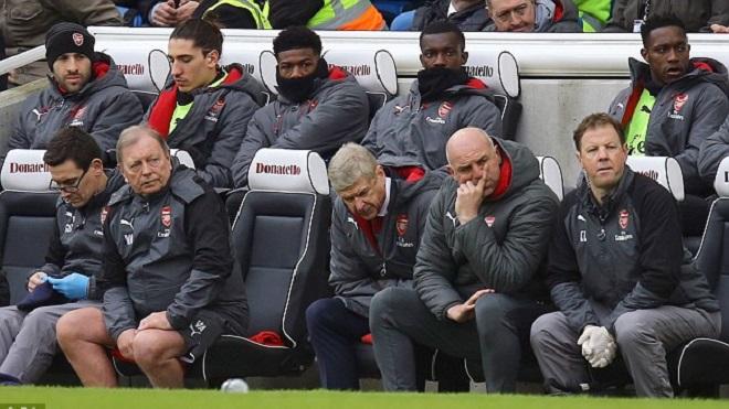 Arsenal hết hy vọng Top 4, HLV Wenger vẫn khẳng định không từ chức