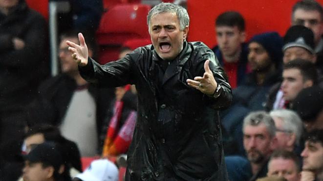 Man City vô địch sớm, Mourinho tức tốc lên chiến lược mua sắm cho mùa giải mới