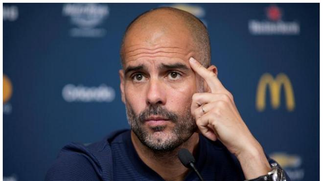Man City thua Liverpool 0-3: Vấn đề của Guardiola là... suy nghĩ quá nhiều