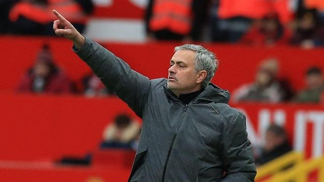 Mourinho gây sốc với phát biểu bất ngờ về Man City