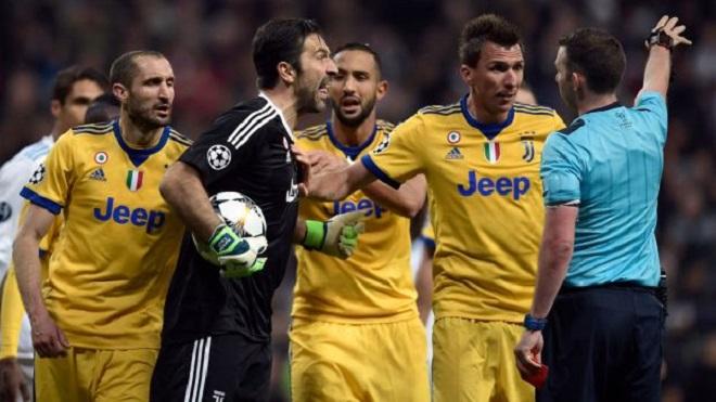 Cựu trọng tài Graham Poll: 'Real Madrid được hưởng 11m là đúng'